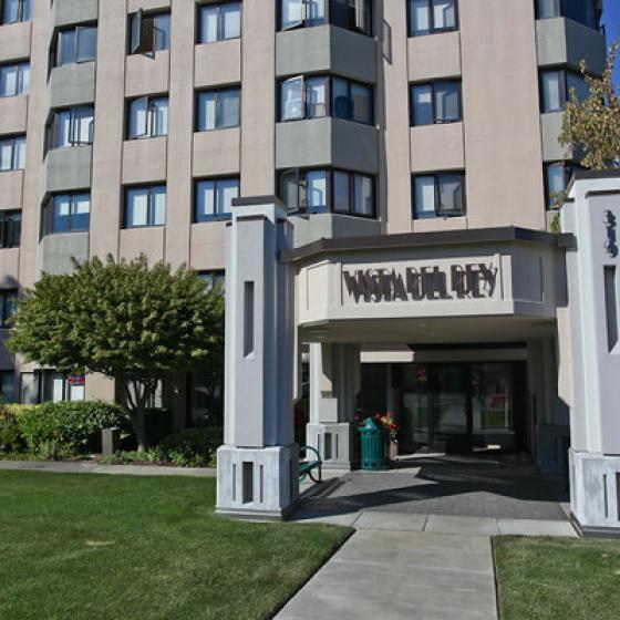 High-rise Tacoma, WA Apartments