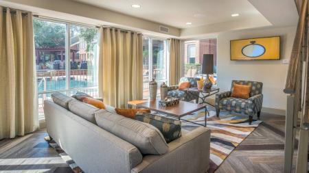 Dallas, TX Loft Apartments   Lakewood on the Trail