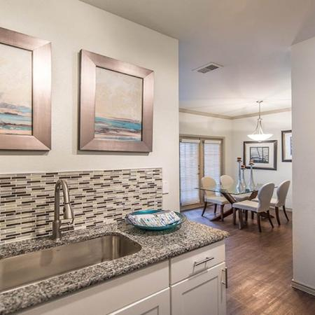 Available Apartments Near Downtown Dallas, TX | Lakewood on the Trail