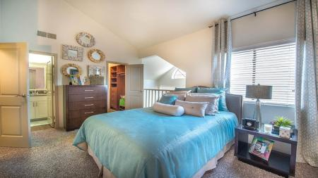 Available Apartments in Knox Henderson in Dallas, TX   Lakewood on the Trail