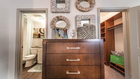 Apartments with Walk-In Closets in Dallas, TX   Lakewood on the Trail