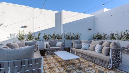Resident Sun Deck | Glendale CA Apartment For Rent | Modera Glendale