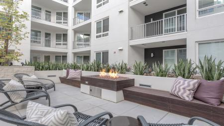 Fire Table in Outdoor Lounge   Modera Glendale