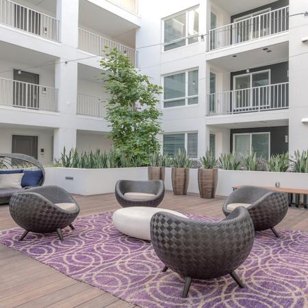 Lounge Seating in Outdoor Social Zone | Modera Glendale