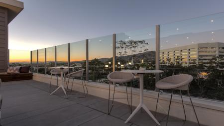 Community Sun Deck with Sweeping Views   Modera Glendale
