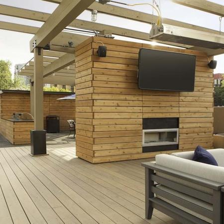 Rooftop Lounge and Flat Screen TV | Skye at Belltown