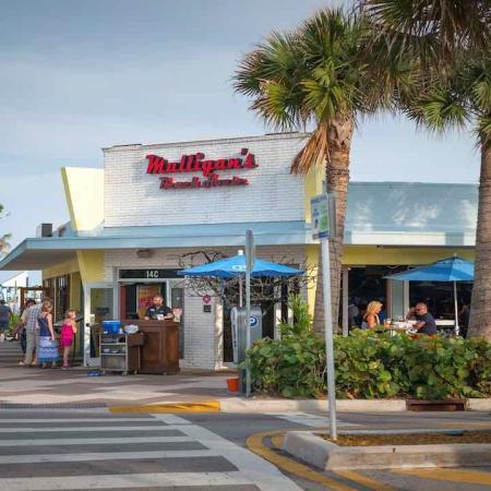 Beachfront Dining | Modera Port Royale
