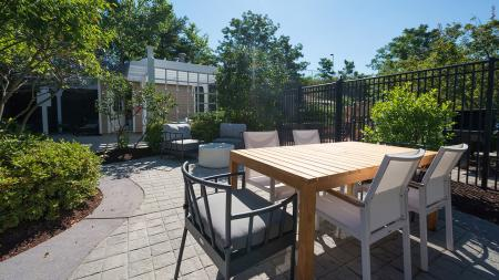 Outdoor Dining Area | Alister Quincy