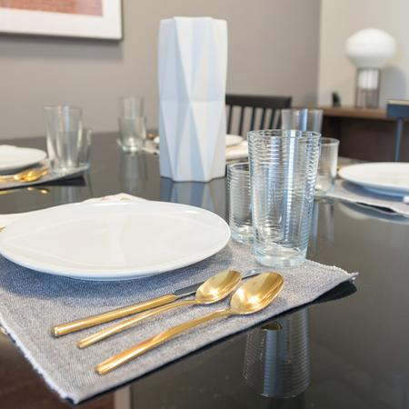 Modern Table Setting | Modera Medford