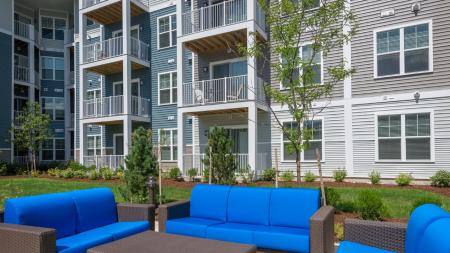 Outdoor Social Lounge | Modera Hopkinton