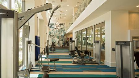 Dramatic Member-Quality Fitness Center | Modera Port Royale