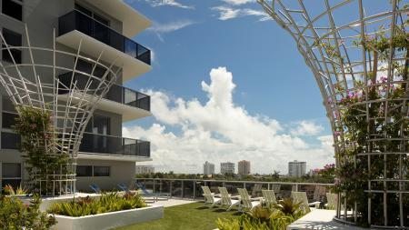 Landscaped Courtyard Overlooking Water | Modera Port Royale