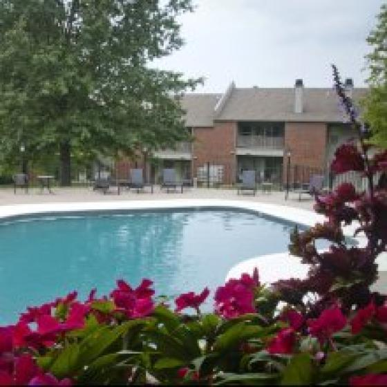 Manhattan, KS apartments for rent swimming pool.