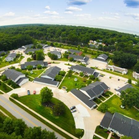 Neighborhood feel at Westchester Townhomes Rental Homes in Westlake, OH