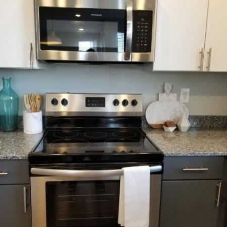Modern Kitchen   Luxury Apartments In Plainfield Indiana   Echo Park at Perry Crossing