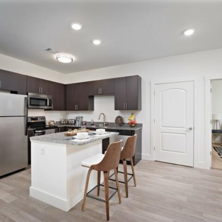 Elegant Kitchen | Luxury Apartments Bloomington IN | Echo Park-Bloomington