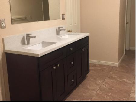 Spacious Bathroom | Provo Apartments | The Lodges at Glenwood