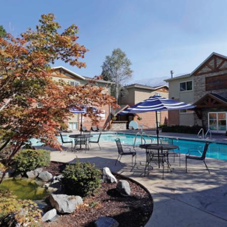 Beautiful Landscaping | The Lodges at Glenwood
